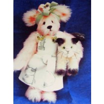 "|10 1_2"" Gayle Bear & 4"" Nutmeg Kitten Pattern"
