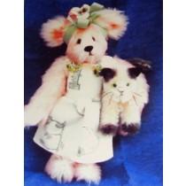 "|10 1_2"" Gayle Bear & 4"" Nutmeg Kitten Pattern"